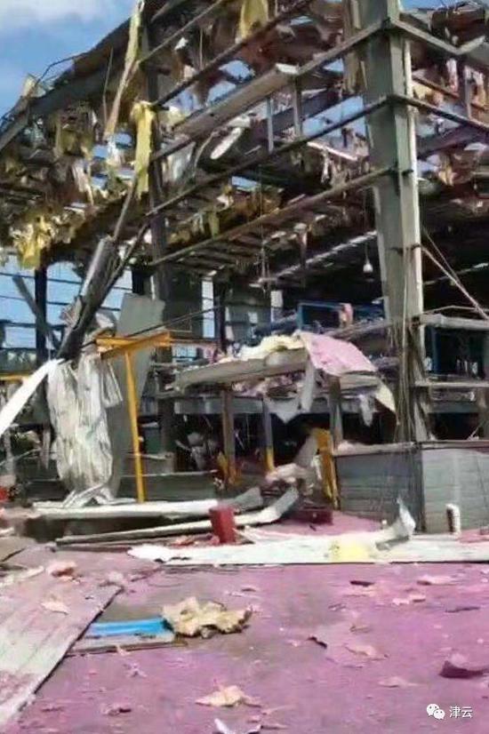 广西玉林化工厂爆炸:铁皮飞入驾校考场划伤监考官