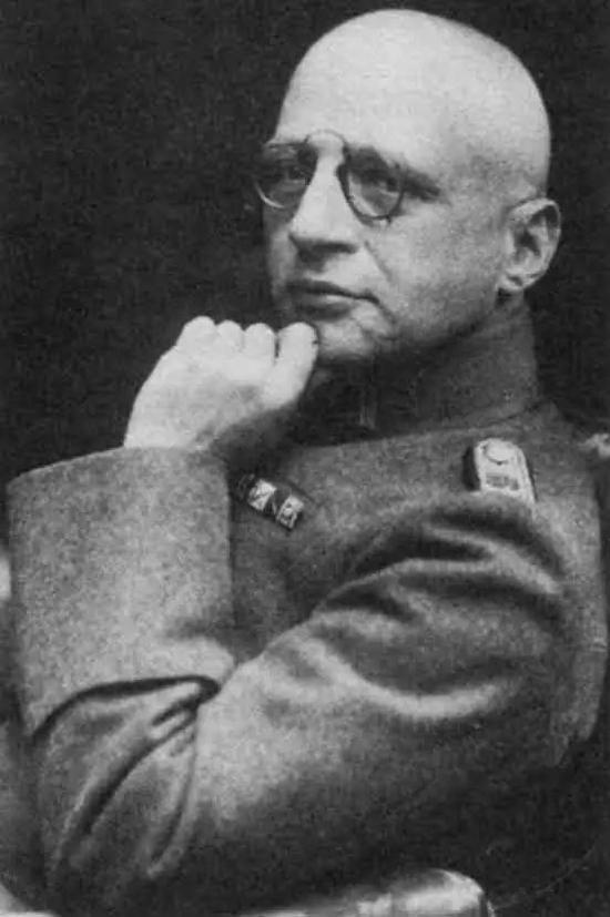 1916年身着军服的哈伯