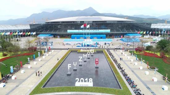 22日上午,首届数字中国建设峰会在福州开幕。