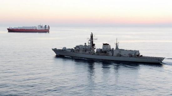 【蜗牛棋牌】英国将伊朗附近水域船只安保级别升至最高