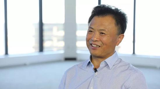王立智在接受新華社記者採訪。新華社記者張墨成 攝