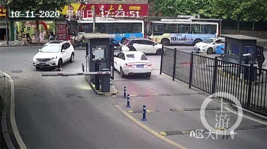 重庆8岁小女孩被压车底 热心市民抬车救人图片