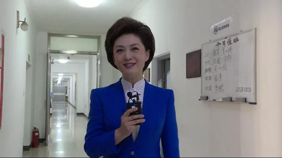 △ 央视《新闻联播》播音员 海霞