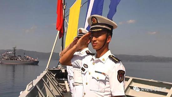 """△5月22日,由长沙舰和柳州舰组成的173编队,圆满完成""""科莫多—2018""""多国联演任务。"""