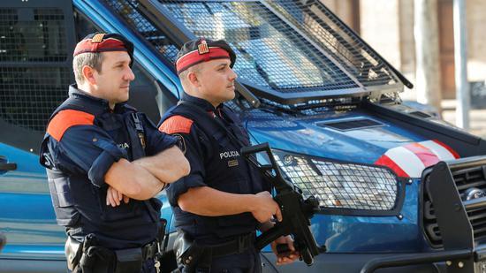 男子在西班牙持刀袭警 警方:将该事件视作恐袭
