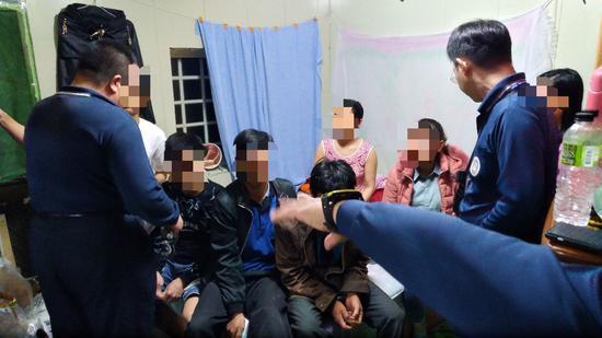 """百人越南团赴台逃脱 台媒:或去""""打黑工""""和卖淫"""