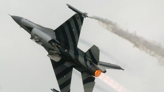 荷兰空军的F-16战机(路透社)