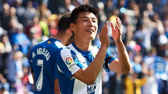 武磊庆祝进球 图片来源:Sky Sports截图