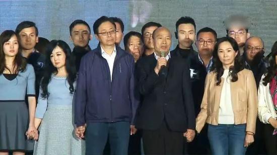 台湾民众党跃居第三大党 柯文哲拿到2024入场券图片
