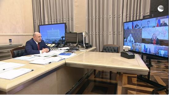△图为俄罗斯总理米舒斯京主持召开俄政府抗疫协调委员会会议