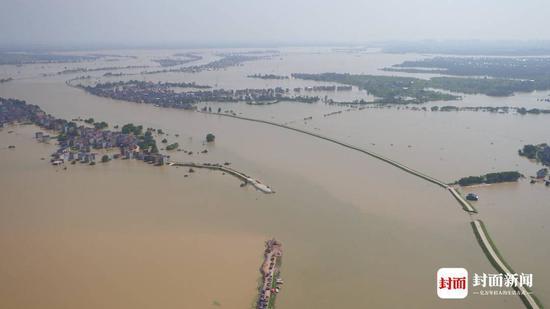 """鄱阳湖溃堤 村民:打锣声响起就知道没有""""如果""""了图片"""