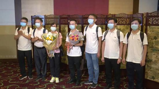 侠客岛:他们是香港疫情的帮凶