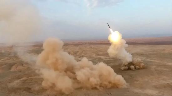 △在近期进行的军演中,伊朗首次尝试地下弹道导弹发射