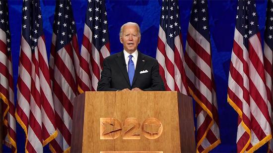 拜登:如当选总统首要任务是控制疫情