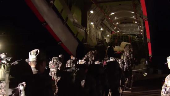 运-20再出国门!远程投送赴俄参演官兵和装备