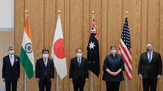 首次出访前 菅义伟两个争议性举动暴露日本外交短