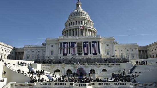 美国国会大厦外发现可疑包裹
