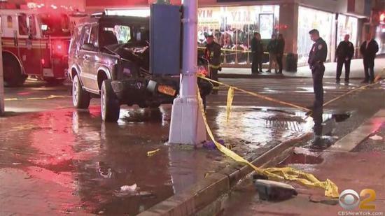 美国纽约一车辆失控开上人行道 65岁华裔女子被撞身亡图片
