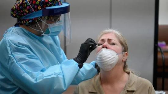 美媒:下届政府上台之前 美国或新增1300万确诊病例