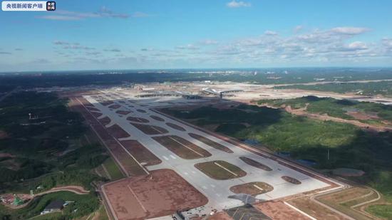 成都天府国际机场完成全部校飞工作图片
