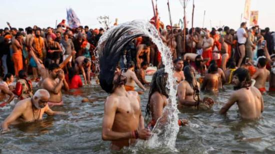 """1.5亿人赴恒河""""圣浴""""?东方网:印度好像并不慌"""