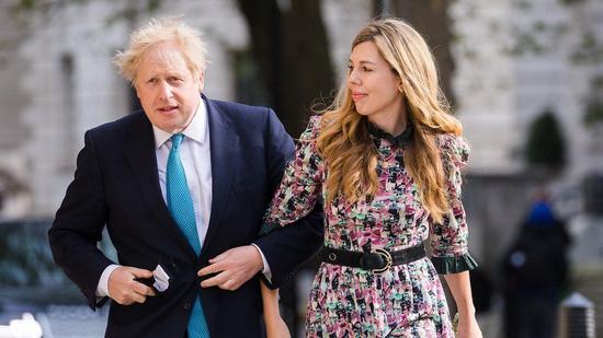 约翰逊与未婚妻西蒙兹秘密结婚,唐宁街证实