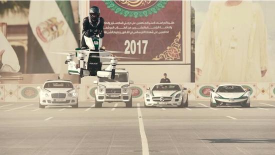 迪拜警方测试飞行摩托 可升空5米飞行 由俄空中货运无人机设计室研发