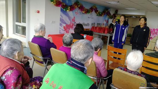 北京市第九十六中学开展多种形式学雷锋活动。学校供图