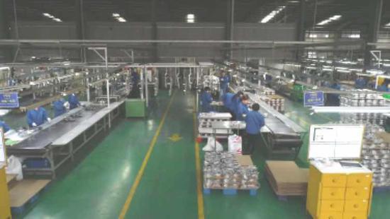 冠华1万平方米高端锅具智能制造出产线。上海崇明 图
