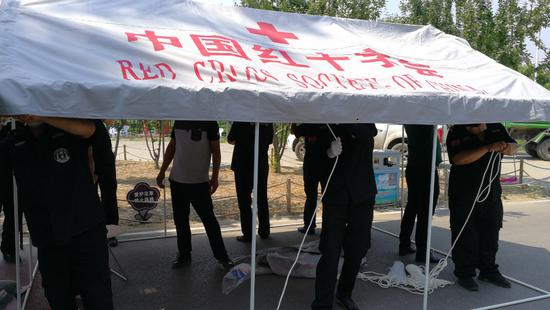 4311顶帐篷送达北京防控一线图片