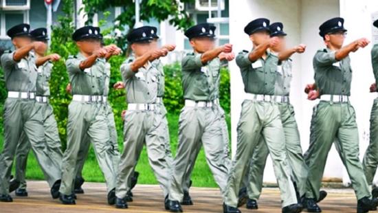 「华美登录」港警队下一秒就华美登录被揭了老图片