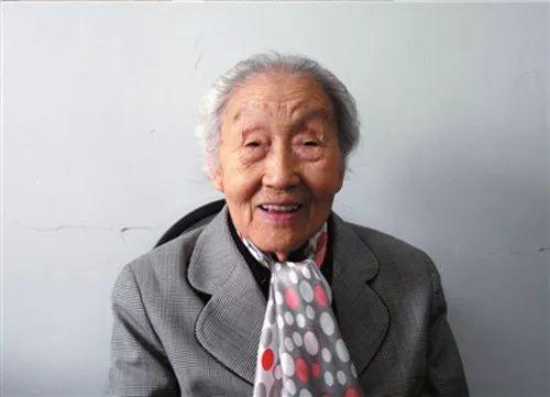 "www.goalchina.net_「""五星红旗迎风飘扬""文艺演出」激情澎湃!《没有共产党就没有新中国》燃爆全场"