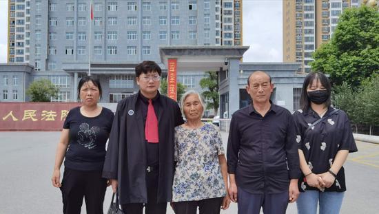 河南男子13年前持猎枪杀害3人 潜逃被抓一审判死刑