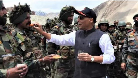 """曾任驻华大使的印度外长""""打脸""""军方,在帮中国说话?"""