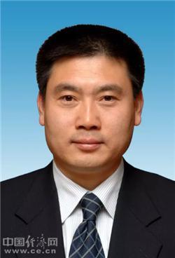 陕西省副省长徐大彤已任省公安厅党委书记图片