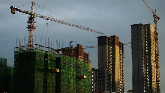 2020年7月,湖北宜昌市一房地产楼盘。图片来源:人民视觉