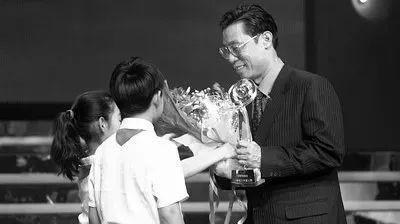 """·钟南山被评为""""2013年度感动中国人物""""。"""