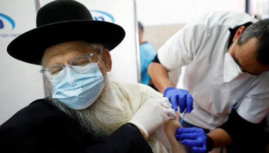 240名以色列人接种辉瑞疫苗后仍感染新冠 4人死亡