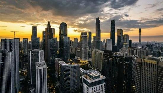 上半年GDP十强城市:广州稳住四强席位,深圳增速垫底