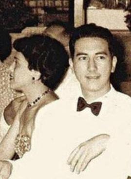 1942年,黎婉华与何鸿燊娶亲