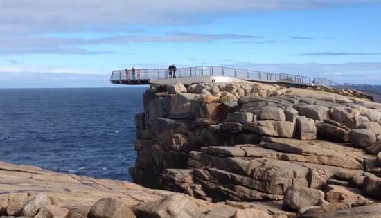 印男子为自拍铤而走险 在澳洲风景区不幸坠崖身亡