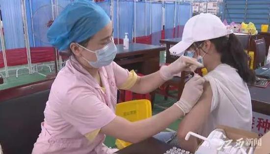 早安,地球村丨靖安千余名女学生免费接种HPV疫苗