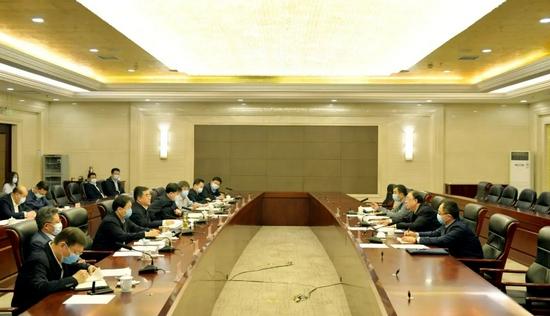 国务院联防联控机制工作组:黑龙江要力争在国庆节前把疫情控制在管控范围内