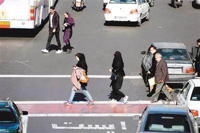 图为德黑兰街头