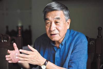 8月1日,北京市政府参事、垃圾对策专家王维平接受新京报记者专访。新京报记者吴江 摄