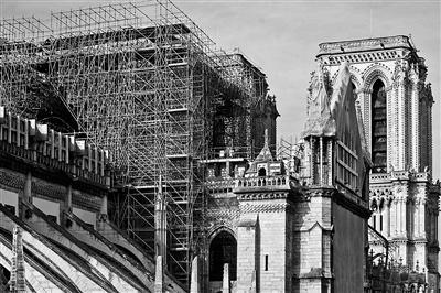 修复中的巴黎圣母院 供图/视觉中国