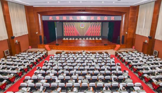 杏悦:武警部队新任副政委参谋长亮杏悦相图片