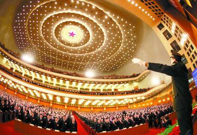 2011年3月5日,于海在十一届全国人大四次会议开幕式上指挥奏唱国歌。
