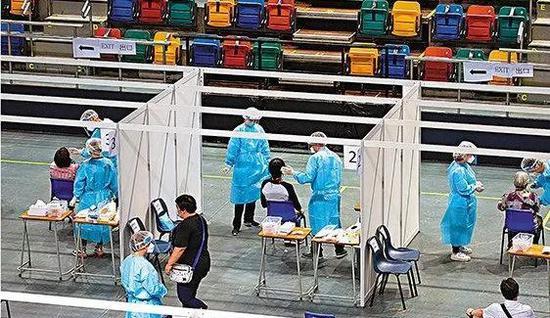 9月1日起,香港开始新冠病毒社区普检 图 | 香港《文汇报》