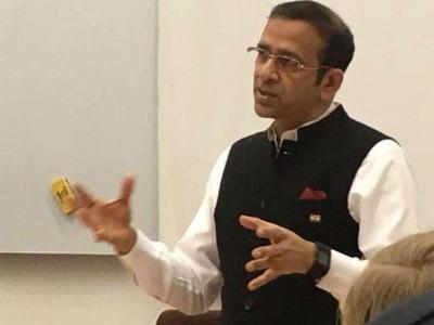 印度驻伊斯兰堡高级专员阿贾伊·比萨里亚(图自印媒)